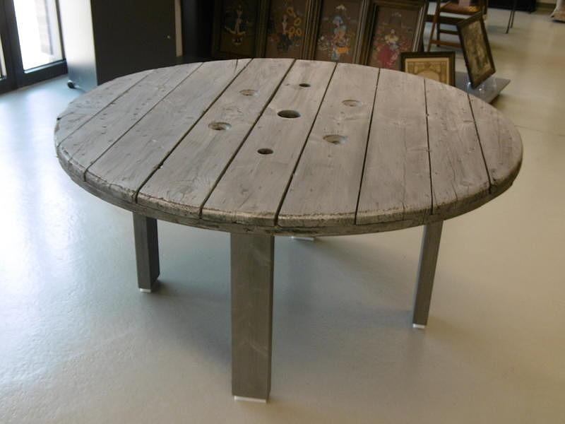 Tisch Grosse Kabeltrommel