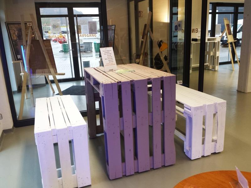 stehtisch aus paletten khles stehtisch aus bilder ideen home elegant stehtisch aus paletten. Black Bedroom Furniture Sets. Home Design Ideas